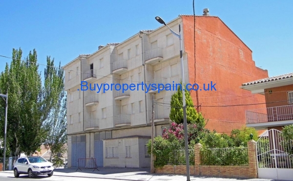 alhama apartment block 3 900